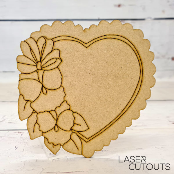 Heart plaque with flowers
